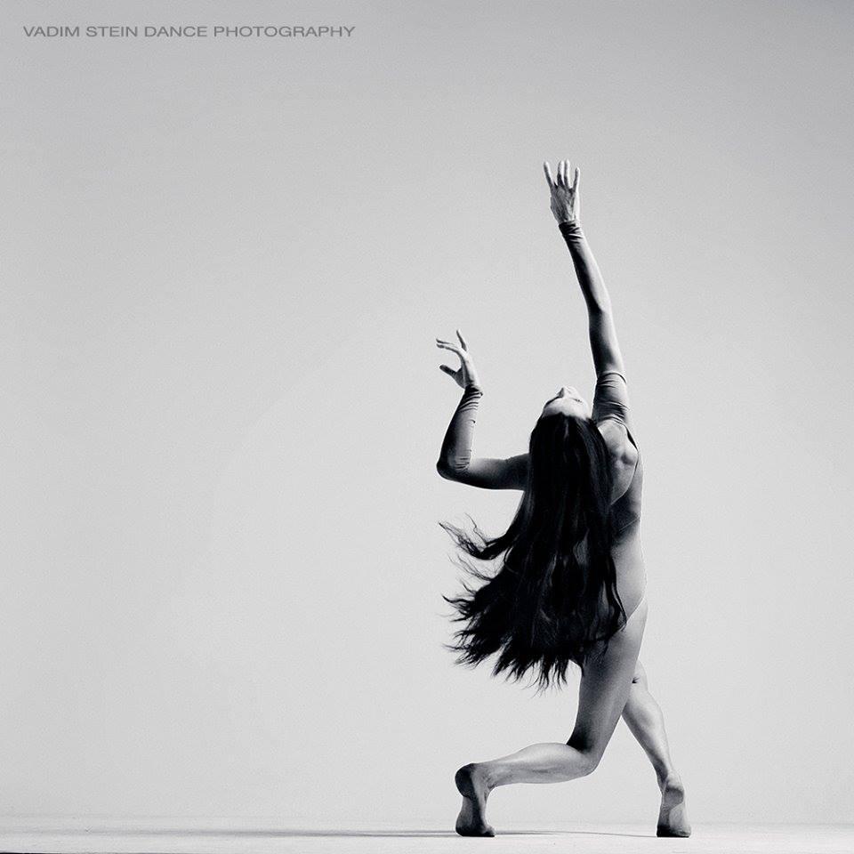 Una formación intensiva e integral centrada en la conciencia corporal y danza afrocontemporánea.